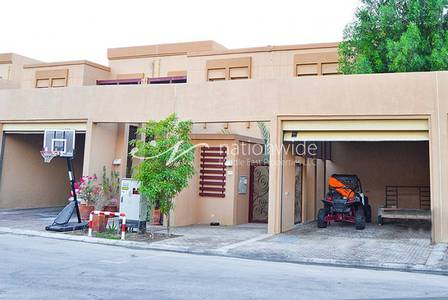 4 Bedroom Townhouse for Sale in Al Raha Golf Gardens, Abu Dhabi - Huge 4 BR Townhouse w/ Extended Kitchen!