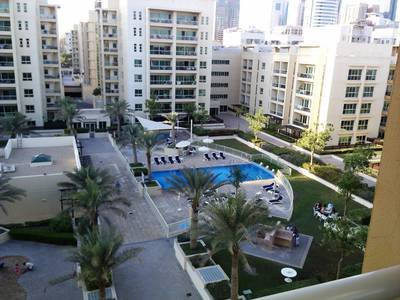 2 Bedroom Apartment for Rent in The Greens, Dubai - Pool view - Amazing 2 Bedroom in Thayyal - The Greens