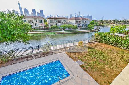4 Bedroom Villa for Sale in Jumeirah Islands, Dubai - Lake View with Sky Line Motivated Seller