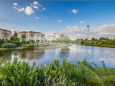 4 Bedroom Villa for Sale in Jumeirah Islands, Dubai - Beautiful Full Lake