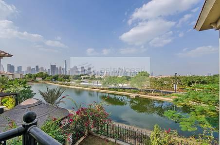 4 Bedroom Villa for Sale in Jumeirah Islands, Dubai - Beautiful Lake View Original Ent. Foyer