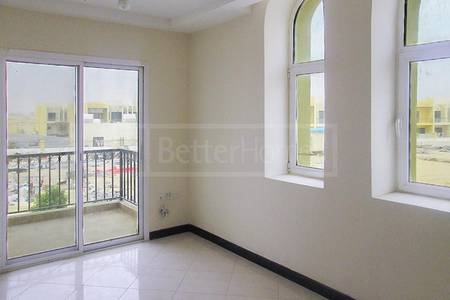 3 Bedroom Villa for Rent in Dubai Industrial Park, Dubai - Spacious   Bright   Close from Makthoom Airport
