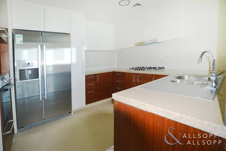 2 Sea Views | Direct Link To Dubai Mall | 2 Bed