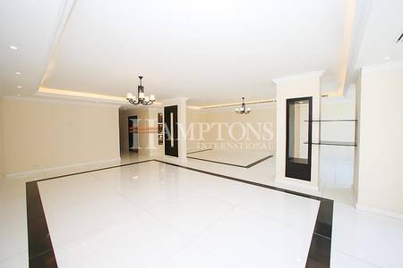 3 Bedroom Villa for Rent in Dubai Marina, Dubai - Fully Upgraded 3BR + M Villa | Marina View