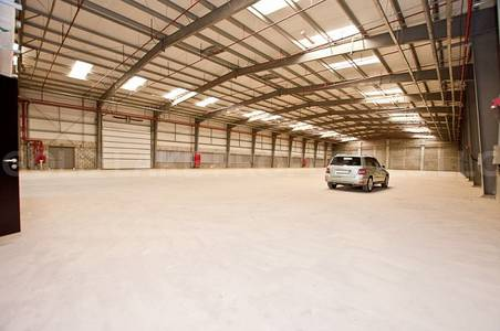Warehouse for Rent in Mussafah, Abu Dhabi - Very Huge and Well Maintained Warehouse!
