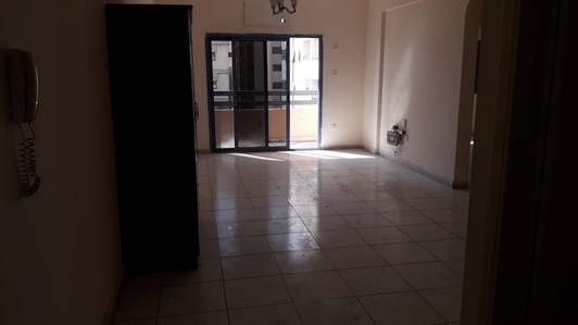 1 Bedroom Flat for Rent in Al Majaz, Sharjah - Spacious Unit for Rent 1bhk 25k ready to move