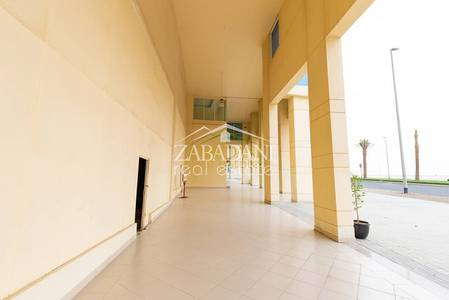 محل تجاري  للايجار في الخليج التجاري، دبي - Retail w Mezzanine | Paramount Facing | Business Bay