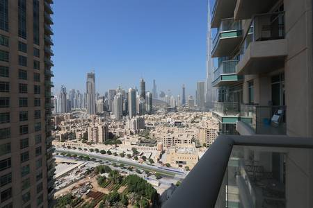 1 Bedroom Flat for Sale in Downtown Dubai, Dubai - Irresistible Year End Offer in Down Town for AED 1