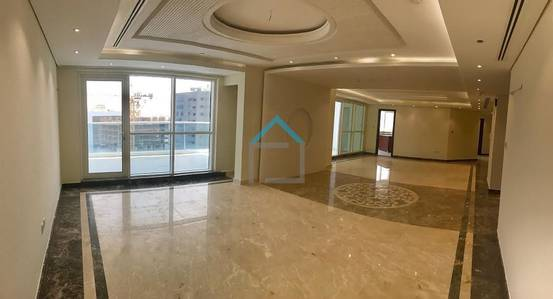 5 Bedroom Penthouse for Rent in Business Bay, Dubai - Lavish 5BR Penthouse with 3 Huge Terrace