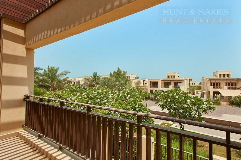12 Lovely Open Kitchen - Three bedroom - Mina Al Arab