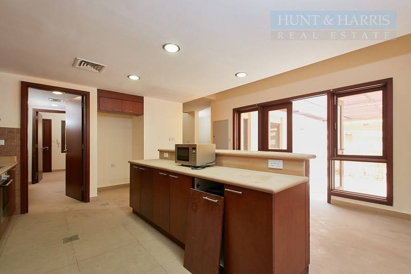 2 Lovely Open Kitchen - Three bedroom - Mina Al Arab