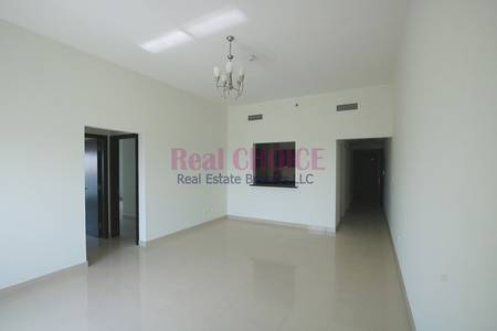 2 Bedroom Apartment for Sale in Dubai Sports City, Dubai - Golf Course View | Unfurnished 2BR Apt