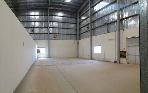 Warehouse for Sale in Al Ghail, Ras Al Khaimah - Warehouse and Labour Camp located in Al Ghail Industrial