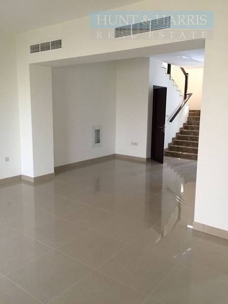 2 Beautiful 3 Bedroom Villa for Sale - Flamingo Villas - Mina Al Arab