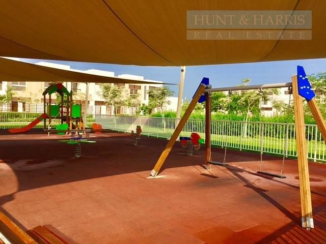 13 Beautiful 3 Bedroom Villa for Sale - Flamingo Villas - Mina Al Arab