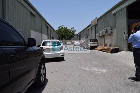 Warehouse for Sale in Al Quoz, Dubai - Very Well Maintained with Huge Plot Warehouses in Al Quoz