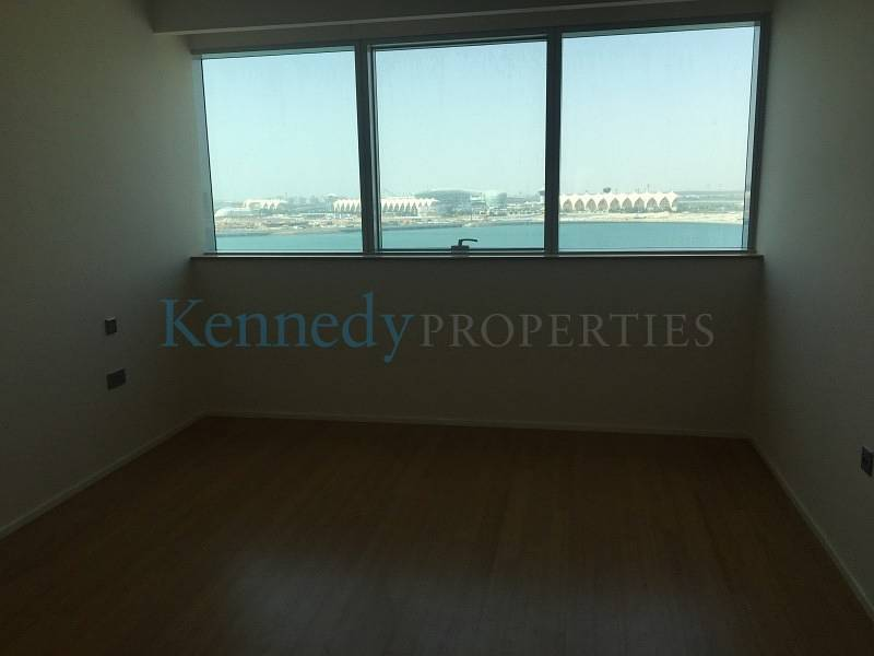 10 Nice 3 bedroom with full sea view
