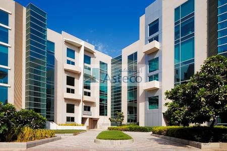 Office for Rent in Dubai Media City, Dubai - Creative Space | Fully Fitted Office with Glass Partitions
