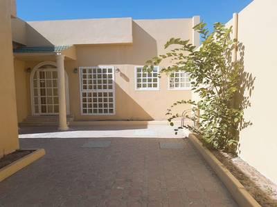 فیلا  للايجار في ضاحية حلوان، الشارقة - فیلا في ضاحية حلوان 3 غرف 75000 درهم - 3712368
