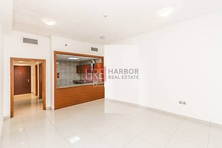 1 Bedroom Flat for Rent in Dubai Marina, Dubai - Spacious! One BR Apartment with Sea View