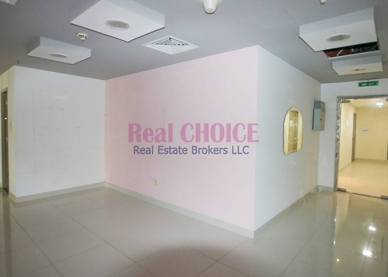 10 Fully Fitted Spacious Office|Low Floor