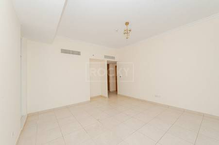 Marina View 2 Bedroom Apartment in Al Seef 3