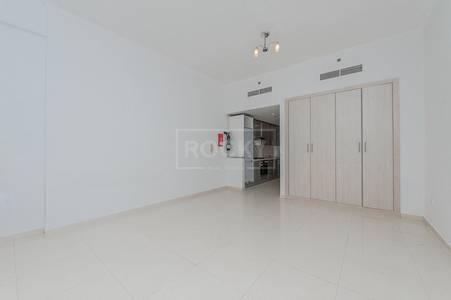 Studio for Rent in Barsha Heights (Tecom), Dubai - Chiller Free! Studio near Metro Station in Elegance House
