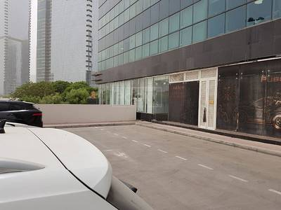 Shop for Sale in Jumeirah Lake Towers (JLT), Dubai - Retail Shop with 9% ROI in JLT