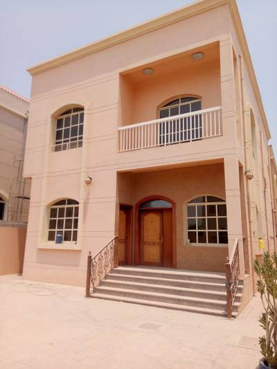 4 Bedroom Villa for Rent in Al Rawda, Ajman - A classic and luxuries villa for rent with AC perfect location