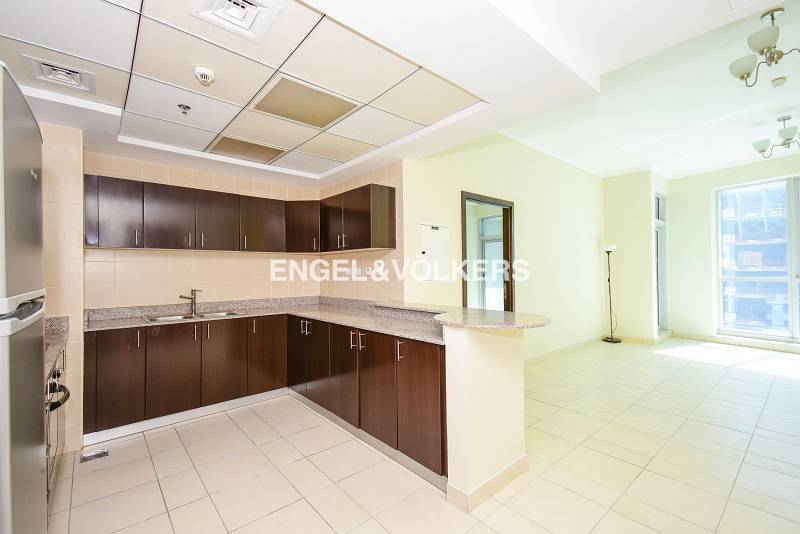 2 1 BR with partial Marina view | Balcony