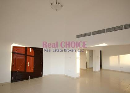 3 Bedroom Villa for Rent in Jumeirah, Dubai - Single Story Villa| Close to Water Canal