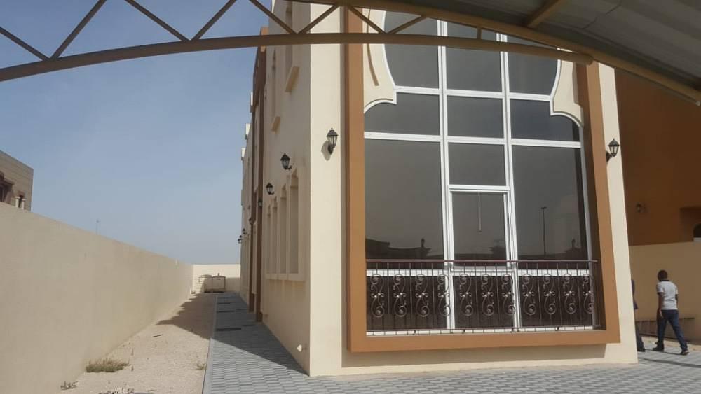 فیلا في النوف 5 غرف 130000 درهم - 3724194