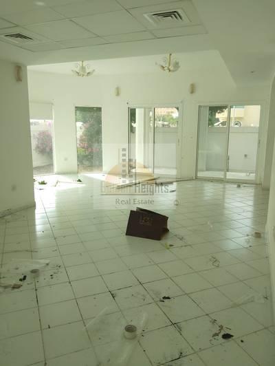 فیلا  للايجار في شرقان، الشارقة - Amazing 4 bedroom Villa with Swimming Pool for rent in Sharquan