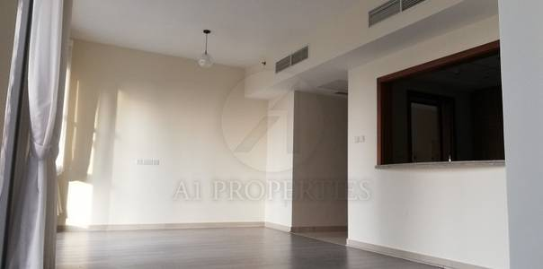 2 Bedroom Flat for Rent in Downtown Dubai, Dubai - Large 2 Bedroom