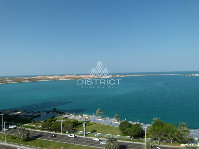 3 Cheques Vacant 4 BR Apartment Sea View