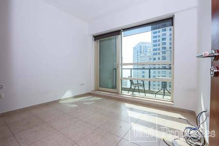 2 Bedroom Apartment for Sale in Dubai Marina, Dubai - Mid Floor | Immaculate with Great Layout