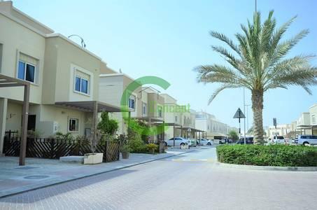 4 Bedroom Villa for Sale in Al Reef, Abu Dhabi - Hot Deal! Big 4BR Villa with Maids Room!