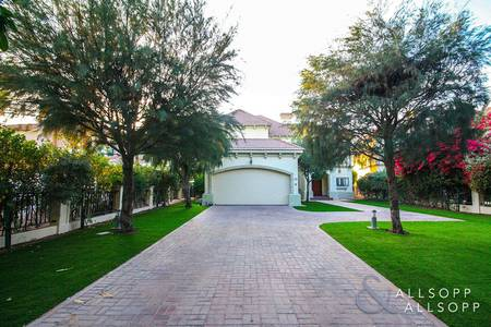 4 Bedroom Villa for Rent in Jumeirah Islands, Dubai - French Riviera | Upgraded | Close to Club