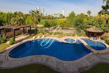 6 Bedroom Villa for Rent in The Lakes, Dubai - Timeless Mint Sunny Golf Facing Charmer