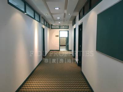 Office for Rent in Bur Dubai, Dubai - Great Price and Location l Fitted Office