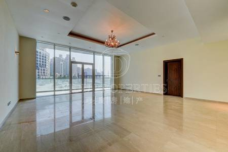 3 Bedroom Flat for Rent in Palm Jumeirah, Dubai - Fully upgraded | Beach access. | Vacant.