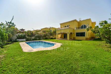 4 Bedroom Villa for Sale in Jumeirah Park, Dubai - Legacy Villa | Private Pool | Huge Garden