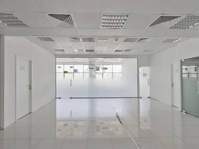 Office for Rent in Motor City, Dubai - Bright Fully-Fitted Office on Low Floor.
