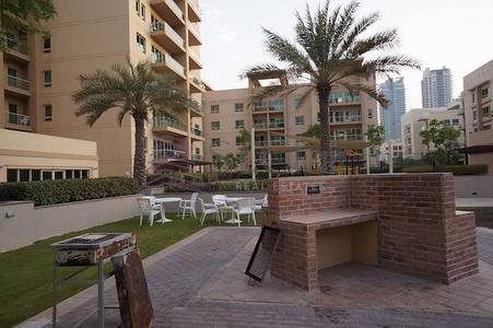 1 Bedroom Apartment for Rent in The Greens, Dubai - Good Deal! 1BR Al Thayyal 2|Community View