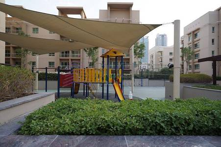 2 Bedroom Flat for Rent in The Greens, Dubai - Well Maintained 2BR|Al Ghozlan 2|Garden View