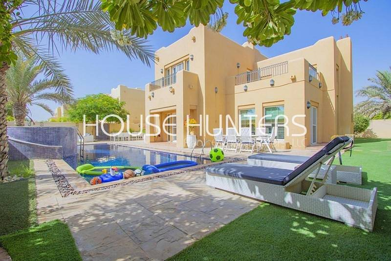 2 Stunning 5 bedroom Terranova with private pool