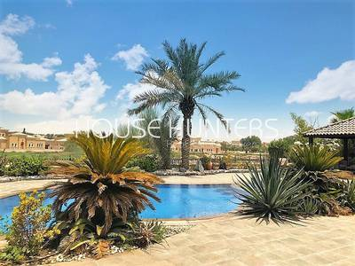 5 Bedroom Villa for Sale in Arabian Ranches, Dubai - Golf Course view | Type 17 |Private pool