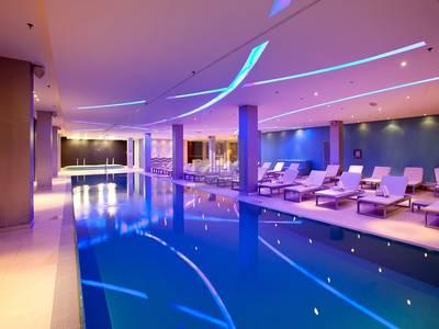 طابق تجاري  للبيع في داماك هيلز (أكويا من داماك)، دبي - Exclusive Hotel Apartments  Highest ROI