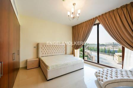 4 Bedroom Townhouse for Rent in Jumeirah Islands, Dubai - Corner 4BR | Fully furnished | Maids room