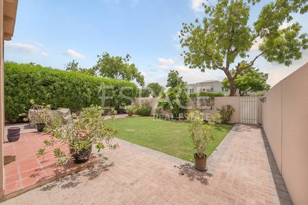 2 Bedroom Villa for Rent in The Lakes, Dubai - Type H End - Close to Pool - Four Cheques